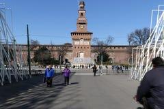 米兰,米兰expogate和castello sforzesco 免版税图库摄影