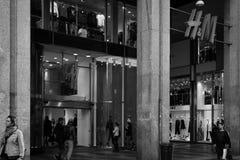 米兰- 2016年10月9日:H&M商店在米兰 免版税库存图片