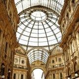 米兰购物的Emanuele维托里奥II圆顶场所 库存图片