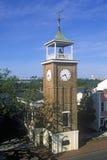 米博物馆在乔治城历史的江边, SC的Belltower 免版税库存照片