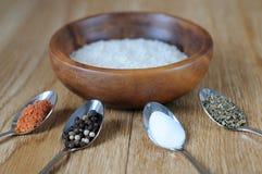 米和混合香料 库存图片
