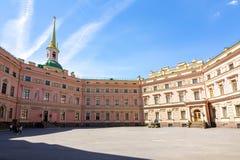 米哈伊洛夫宫Mikhailovsky城堡或工程师的城堡,圣彼德堡,俄罗斯 免版税库存照片