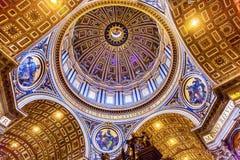 米开朗基罗圆顶圣伯多禄` s大教堂梵蒂冈罗马意大利 免版税库存照片