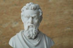 米开朗基罗,古老意大利创造性的艺术家雕象  库存图片