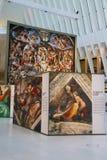 米开朗基罗` s西斯廷教堂由发生在世界贸易中心Oculus的Westfield结束陈列在纽约 库存图片