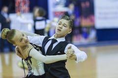 米斯克白俄罗斯, 10月4,2014 :未认出的舞蹈夫妇执行 库存照片