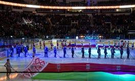 米斯克,白俄罗斯, 09 01 2018 - 曲棍球比赛迪纳莫队米斯克白俄罗斯- Lokomotiv雅罗斯拉夫尔市俄罗斯 库存照片