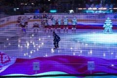 米斯克,白俄罗斯, 09 01 2018 - 曲棍球比赛迪纳莫队米斯克白俄罗斯- Lokomotiv雅罗斯拉夫尔市俄罗斯 库存图片