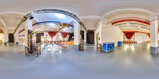 米斯克,白俄罗斯- 2018年:3D有360党顶楼内部的视角的球状全景与阶段和椅子的 为vi准备 免版税库存图片