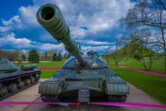 米斯克,白俄罗斯- 2018年5月01日:巨大的坦克, militar车,位于历史的文化复合体叫斯大林线 库存图片