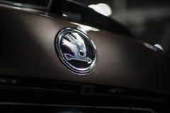 米斯克,白俄罗斯5月2018品牌skoda象征在汽车的商标标志在skoda kodiaq的autoexhibition时 库存图片