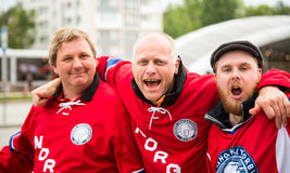 米斯克,白俄罗斯- 5月11 -在Chizhovka竞技场前面的挪威爱好者2014年5月11日在白俄罗斯 冰球冠军 库存图片