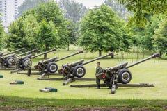 米斯克,白俄罗斯- 2017年7月03日在游行的大炮,美国独立日 免版税库存图片