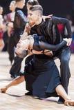 米斯克,白俄罗斯2月14,2015 :专业舞蹈夫妇嘘 免版税库存图片