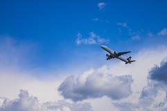 米斯克,米斯克国家机场,白俄罗斯- 2016年5月06日:巴西航空工业公司E 免版税库存图片