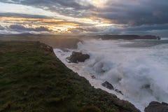 10米波浪在加利西亚阿斯图里亚斯海岸的! 免版税图库摄影