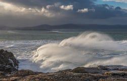 10米波浪在加利西亚阿斯图里亚斯海岸的! 库存图片