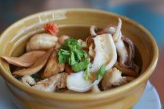 米用香肠和海鲜 免版税库存图片