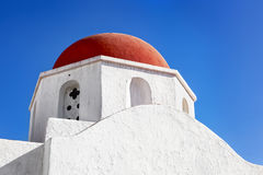 米科诺斯岛教会圆顶 免版税库存图片