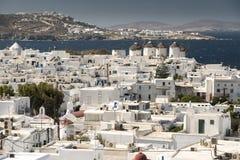 米科诺斯岛镇和16世纪风车希腊 免版税库存图片