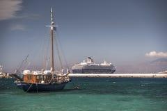 米科诺斯岛镇港口希腊 免版税图库摄影