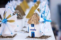米科诺斯岛风车的纪念品细节  免版税库存照片