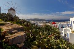 米科诺斯岛 一台老传统风车 免版税库存图片