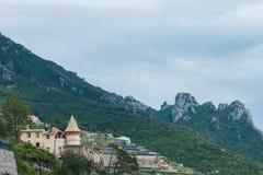 米诺利和马奥莱-切塔拉,阿马尔菲海岸,褶皱藻属,意大利 免版税库存图片