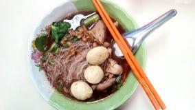 米细面条变厚汤 库存图片