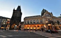 粉末塔和市政议院,布拉格 免版税库存图片