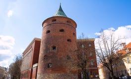 粉末塔在里加,拉脱维亚 从1940包括对拉脱维亚战争博物馆的结构 库存图片