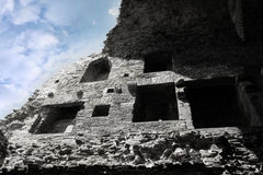 粉碎在废墟里面的carrigafoyle城堡 免版税库存图片