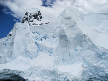 粉碎的冰山在南极洲 免版税库存照片