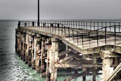 粉碎的码头 免版税库存照片