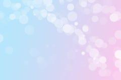 粉红彩笔和蓝色bokeh背景与拷贝空间 免版税库存照片