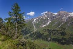 粗暴山风景-阿尔卑斯 免版税库存照片