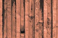 粗砺和生锈的橙色灰色橙色的波状钢金属su 免版税库存照片