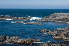 粗砺的海岸线 图库摄影