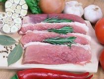 粗糙地切猪肉 免版税图库摄影