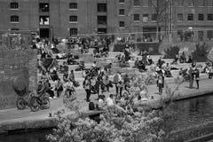14/04/2018粮仓方形的伦敦英国 黑色白色 库存图片