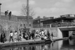 14/04/2018粮仓方形的伦敦英国 黑色白色 免版税库存照片