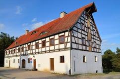 粮仓在露天博物馆在奥尔什蒂内克(波兰) 库存图片