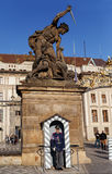 精华布拉格城堡卫兵的战士 免版税库存图片
