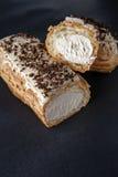 精妙的奶油色点心小饼 免版税库存照片
