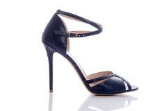 精妙的蓝色高跟的凉鞋 库存照片