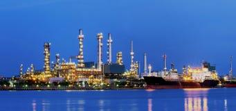 精炼厂。 免版税库存照片