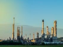 精炼厂产业 免版税库存图片