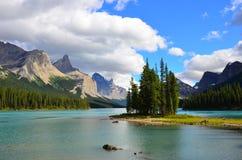 精神海岛,贾斯珀国家公园,加拿大 免版税图库摄影