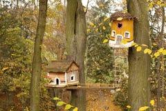 精神议院在树干的 库存照片