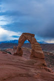 精美曲拱在曲拱国家公园,在风雨如磐的天空下 库存图片